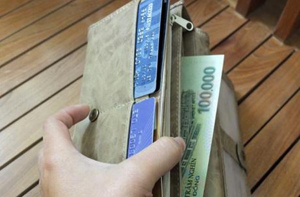 Mẹo phong thủy: Đặt cái gương thế này giúp gia đình làm ăn lên như diều gặp gió, tiền vào như nước