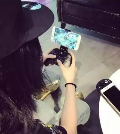 Quán net độc đáo chỉ dành cho người chơi game trên di động