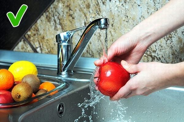 99% người đang mắc sai lầm chết người về thói quen rửa thực phẩm mà không hề hay biết
