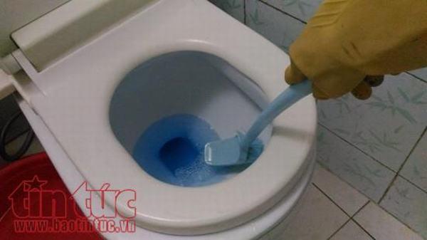 Nguy cơ bỏng nặng từ những chất tẩy rửa sử dụng trong nhà