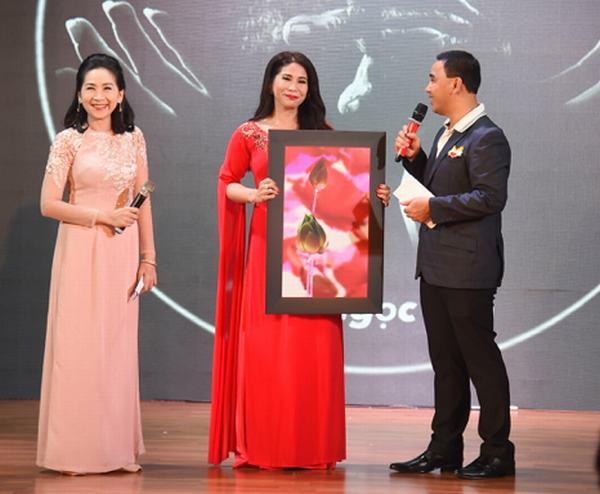 Phi Thanh Vân công khai bạn trai doanh nhân, dự định kết hôn lần ba
