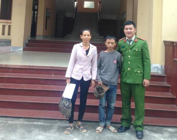 Lạc đường, cháu bé đạp xe 250km từ Thanh Hóa vào Nghệ An