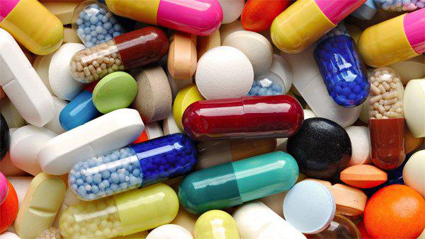 Suýt chết vì dùng thuốc viêm họng