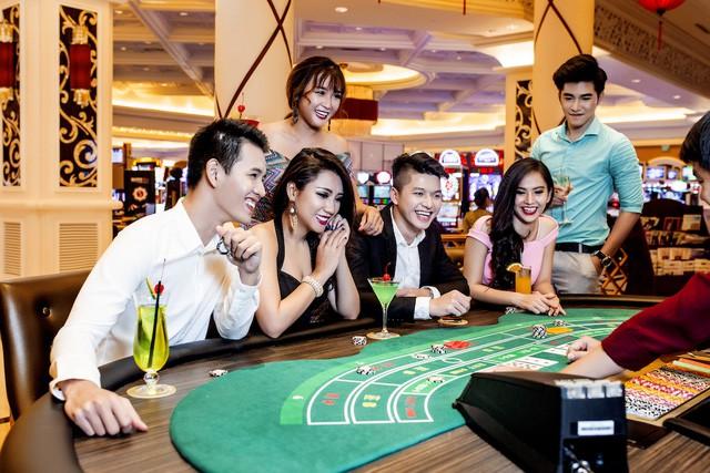 Người Việt thu nhập trên 10 triệu đồng/tháng mới được vào chơi casino. Hình minh họa