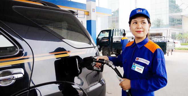 Nóng: Giá xăng có thể tăng mạnh vào chiều nay